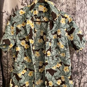 Palm leaf pattern button down